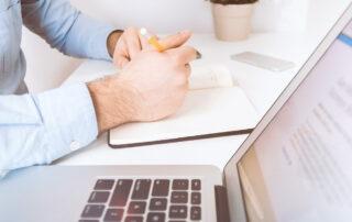 Vi genomför bakgrundskontroller på alla anställda - konsulter inkluderat